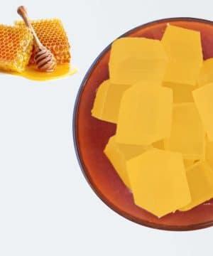 Gießen Sie Seife Honig Hon
